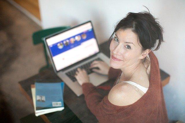 žena a internet