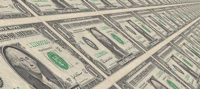 tisk dolarů