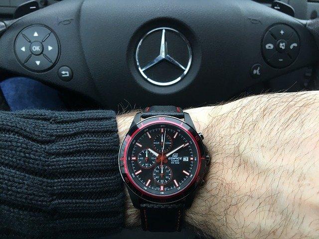 hodinky a volant.jpg